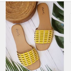 Shoes - 🆕️//The Isla// yellow caged Sandal